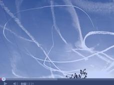 Twitterで話題 ! 「消えない雲」ケムトレイルとは?