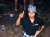 【ヤバ画像】墓を掘り起こすインドネシア人 一体なぜ!?