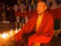 【動画アリ】空中で静止する僧侶! フワフワと浮く身体=ネパール