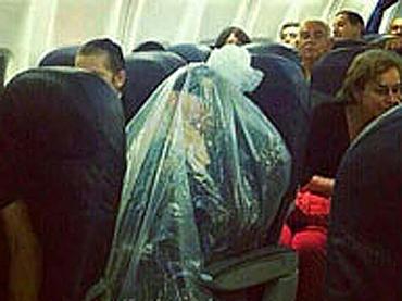 ビニール袋の中に入らないと飛行機に乗れない! 「コーヘン」の厳しすぎる宗教規範