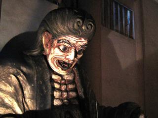 【新宿二丁目の「赤ん坊を食い殺した木像」とは? 売春婦・飯盛女の悲しきエピソード…