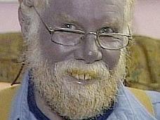 青い顔をした男・ポールの数奇な人生 ~限りなく悲しみに近いブルー~