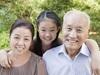 「祖父母のニオイ」は確かに存在する! 年齢層によって体臭が変化する原因とは……