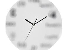 理系人間の末路!? まったく時間がわからない数式時計とは?