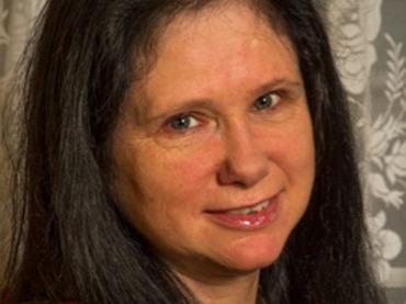 「新聞恐怖症」に25年間悩まされた女性! 「新聞臭」からの逃亡生活とは?