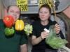 【朗報】宇宙空間で育てた野菜は安全だった! 人類移住の夢が一歩前進!!