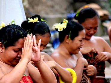 純血を貫くバリ原住民の村「トゥガナン村」  禁じられた結婚とは?