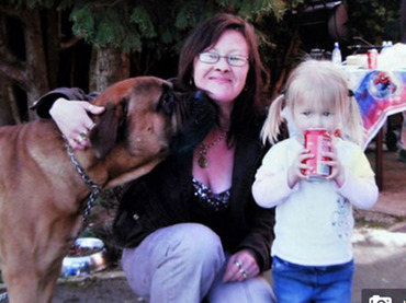 【イイ話…なのか?】飼い犬に顔を食べられた女性が犬に感謝!! 一体なぜ?