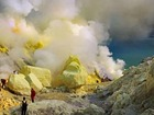 有毒ガスの溢れる火山に隠されたもう一つの顔 イジェン火山の神秘なる美