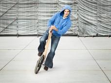 大人のための三輪車「Halfbike」!! ランニングとサイクリングを融合した、都市交通の究極形!?