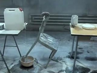 1987年版「ピタゴラ装置」!? ダダ映像『The Way Things Go』が伝えるガラクタの魅力と人生哲学