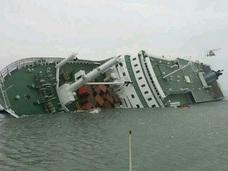 【韓国客船沈没】「タイタニックより無責任」浮き彫りになる問題点の数々に、怒りと嘆きの声!!
