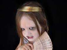 座敷わらしは全国を散歩していた!? 目撃者談「女の子が壁に…」「就寝中、引っ張られた」