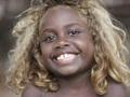 ブロンドの黒人が住む島!! 謎の人類「デニソワ人」の子孫か!?