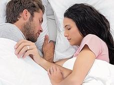 寝相でわかる深層心理! カップルの寝相のポジションで2人の関係が丸わかり!?  「ひとり寝編」も!