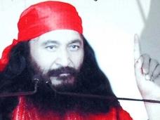 """「グルは死んでいない、冷凍庫で瞑想中だ!」 カリスマ導師の火葬を拒否する信者たち、遺族と""""争奪戦""""を繰り広げる!!=印"""