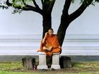 なんてこっタイ! タイ僧侶が日本のAV吟味姿で話題、なぜ危険を冒してまで購入しに?