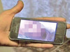 携帯に憑依した祖母の幽霊が自撮り画像を送信 「あの世で罰せられている」!?