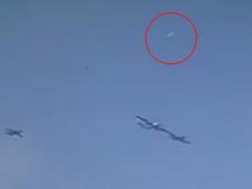 F1オーストリアGP実況カメラが捕らえた白い未確認飛行物体! 「TR3-B」なのか?
