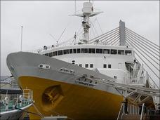米軍に攻撃された日本の民間人 ― 終戦目前に沈められた青函連絡船の424名