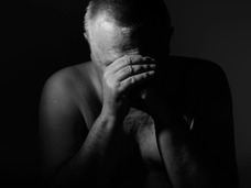 理研・笹井氏の自殺から考察 ―  「引責自殺」は日本の文化? これまでの自殺事件