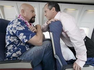 """【「リクライニングできない!!」究極の""""嫌がらせガジェット""""をめぐるトラブルで航空機が緊急着陸=米"""