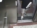 【閲覧注意】監視カメラが捉えた悲劇の瞬間 エレベーターに挟まれた男子学生は…