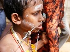 痛すぎるヒンドゥー教徒の祭り