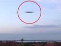 ポーツマス上空に現れた超高速飛行物体! UFOか、最新ステルス無人戦闘機「タラニス」か?