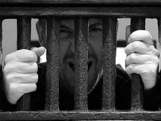 完全黙秘はどこまで可能か? 「名無し」のままで刑務所に行ける?