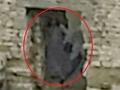 【心霊写真】ゾッとするほどくっきり…!! 「呪われた城」に棲む女