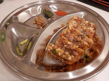 無慈悲な料理本『有名な平壌料理』のメニューを作ってみた【牛足の煮こごり】編