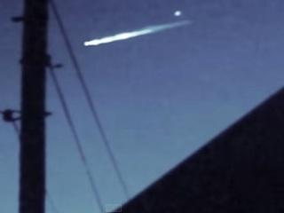 世界の空に続々と「UFO脱出ポッド」出現!? 謎すぎる動画に議論沸騰!!