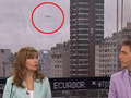 ニュース番組の生放送中にUFO出現!! 空を滑るように移動する=アルゼンチン