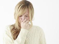 おならで大腸がん発見?カビ臭い口臭は慢性肝炎?特有の臭いを発する病気とは