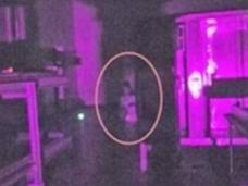 精神病院の少女、刑務所の看守…ゴーストハンターが捉えた心霊写真=オーストラリア