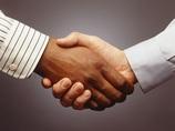 【隠れた習性】握手のあと、人は無意識に手のニオイを嗅いでいる!!(最新研究)