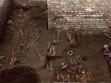 ケンブリッジ大学の地下から1,300体もの骸骨が発見!! その歴史背景とは?