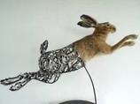美しすぎるサイボーグ彫刻 ― 動物と金属の奇跡の融合
