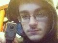 殺害後に無残な遺体とセルフィーした16歳少年 ― 犯罪者たちの自己顕示欲とSNS