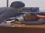 【閲覧注意】爆発物処理、失敗の瞬間!! 防護服も着けずに吹き飛ばされる警官、地獄の光景=タイ