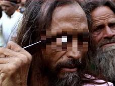 【閲覧注意】目玉をくり抜き、頬を切り刻む!! イスラム教の奇祭「ウルス祭」とは?=インド