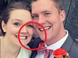 【心霊写真】恐怖!! 新婚カップルの背後に「ニヤっと笑う赤ん坊の顔」が浮かび上がる=米