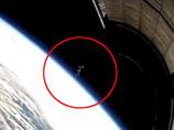"""宇宙に出現した巨大ミミズ!? 「スペースX」社のロケットが捉えた""""螺旋状""""の奇妙な影!!"""
