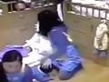 【児童虐待】8カ月の赤ちゃんを太腿にはさみ、窒息死させる保育士=中国