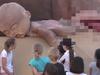乳房やペニスが踊りまくる!! 驚愕の児童教育ショーの全貌とは?=オーストラリア