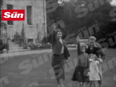 """英版""""ネトウヨ""""新聞!? エリザベス女王がナチス式敬礼写真掲載でみる、英の新聞事情"""