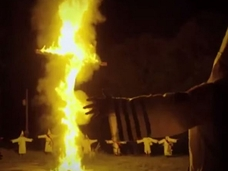 【衝撃の最新映像】再燃するKKKの極秘活動にカメラが潜入! メンバー増員中か!?