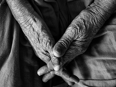 「介護業界の恐ろしさは底なし」AV業界もビックリの地獄が広がる介護業界を中村淳彦が語る