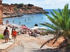 イビサ島という極上の楽園 ― 海、太陽、音楽、料理でのんびりチルアウト